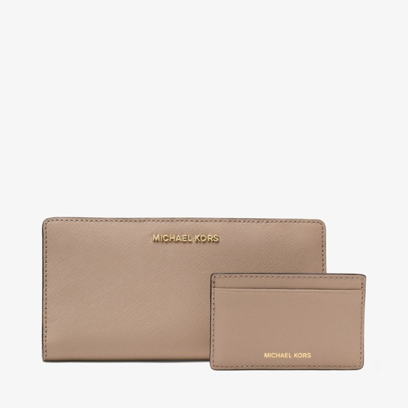 91dd0822a12b Michael Kors Jet Set Large Saffiano Leather Wallet. NWT